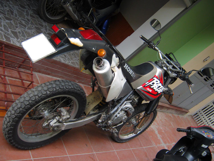 Offroad Vietnam Motorbike Sale - Honda XR250 Baja Used Enduro For Sale. Silver, Disc brake