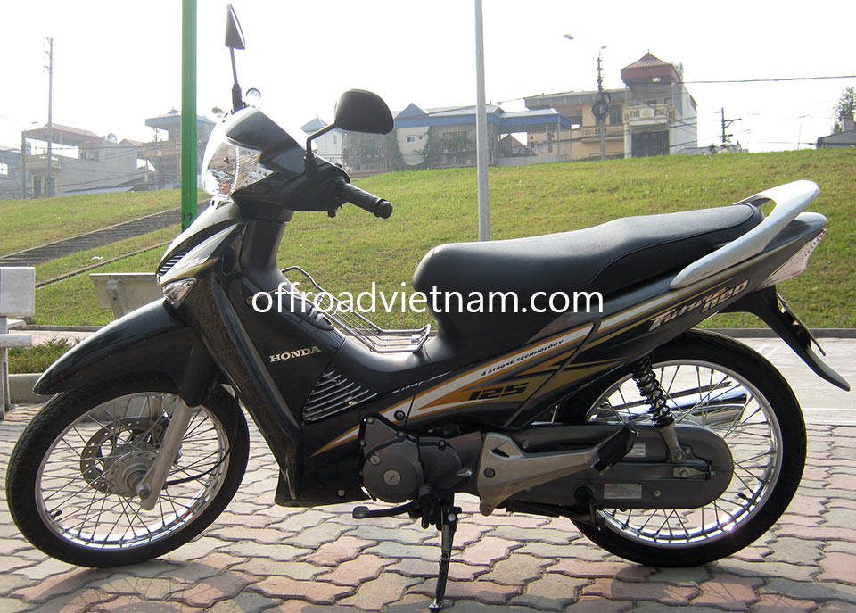 Offroad Vietnam Scooter Rental - Honda Future Neo 125cc. Honda Future Neo 125cc Black, Spoke wheel, Disc brake
