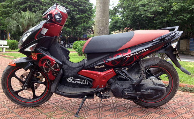 Offroad Vietnam Motorbike Sale - Yamaha Nouvo LX135 Used Scooter For Sale. Red & Black. Front Disc Back Drum Brake