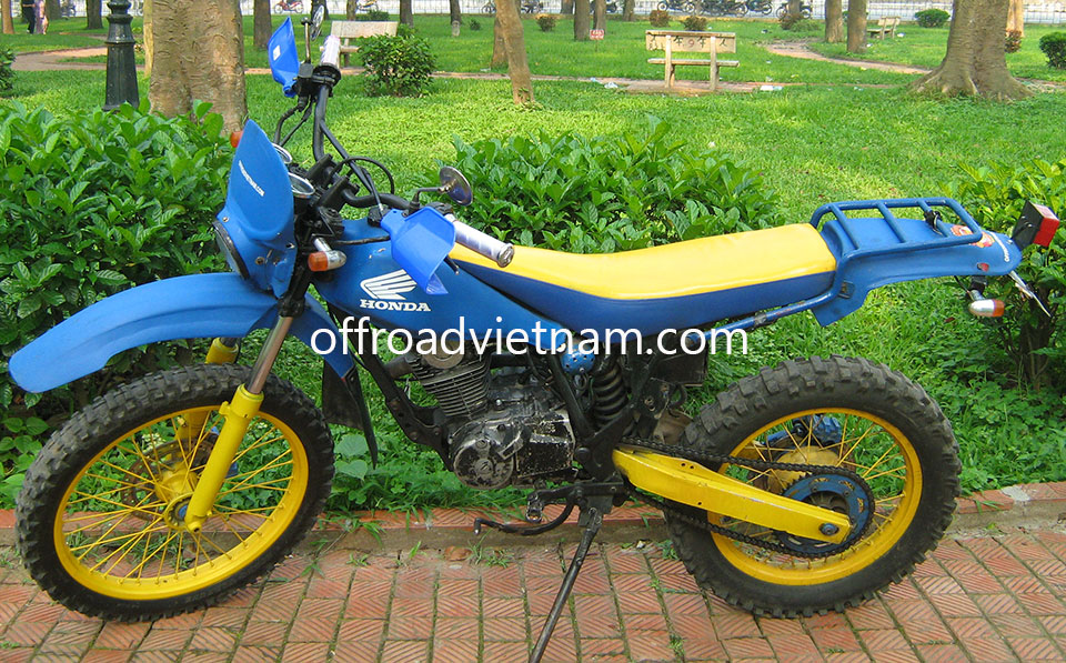 Offroad Vietnam Dirt Bike Rental - Honda TLR 200cc In Hanoi. Honda TLR 200cc dirt (trail) bike Green/Yellow, Front and Back Disc brake