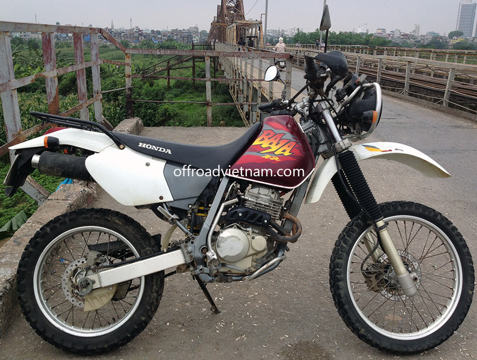 Hanoi Honda XR250, XR250 Baja Dirt Bikes rental: Honda dirtbike XR250 Baja 250cc White, Front and Back Disc brakes, Ideal for Motorcycle Touring North Vietnam
