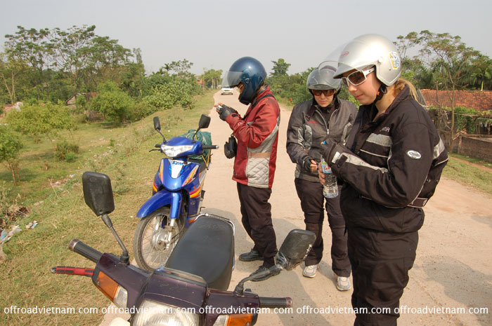 Offroad Vietnam Motorbike Adventures - Women Tours, For Women Only. Women tours by motorbike, ride in Vietnam with women only