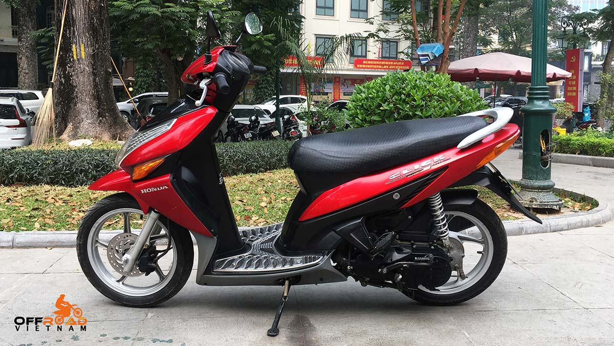 Red 110cc Honda Click automatic scooter for sale in Hanoi, year 2008. From left.