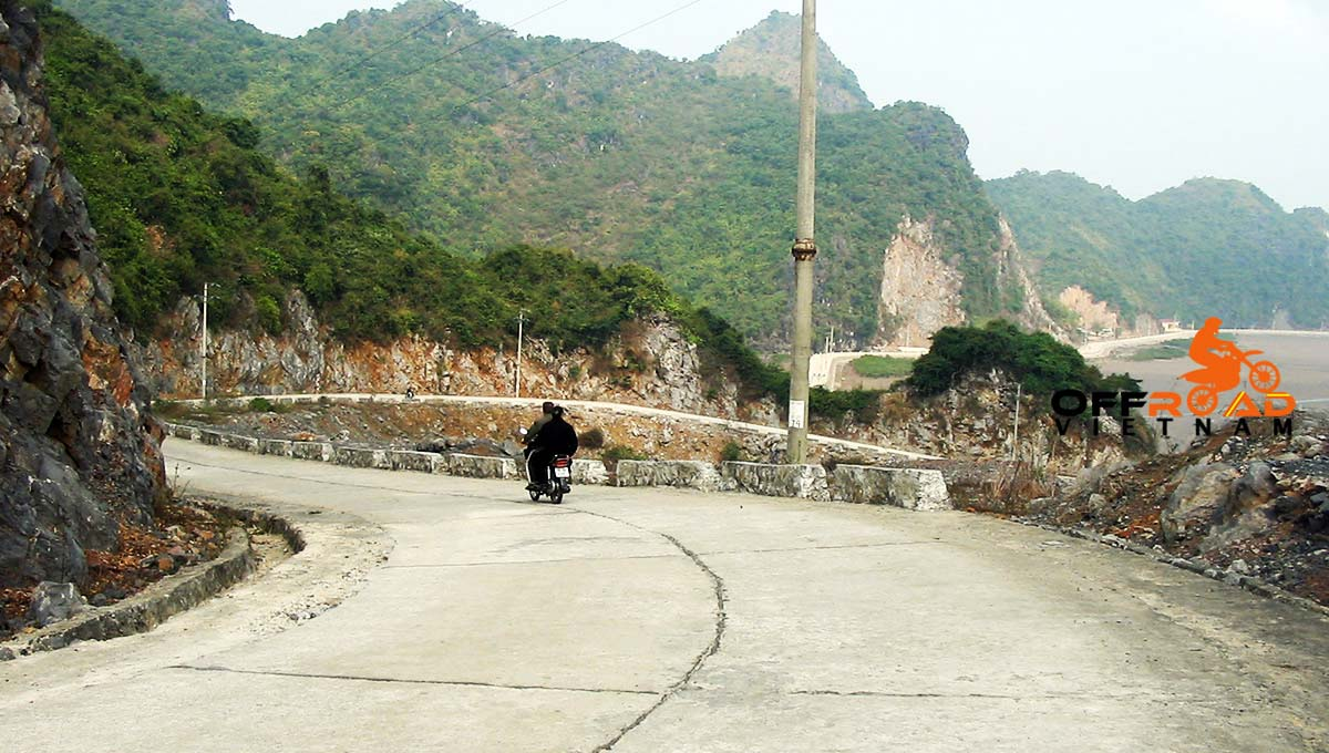 Offroad Vietnam Motorbike Tours - 2-day Halong Bay cruise & Cat Ba by motorbiking teh island.