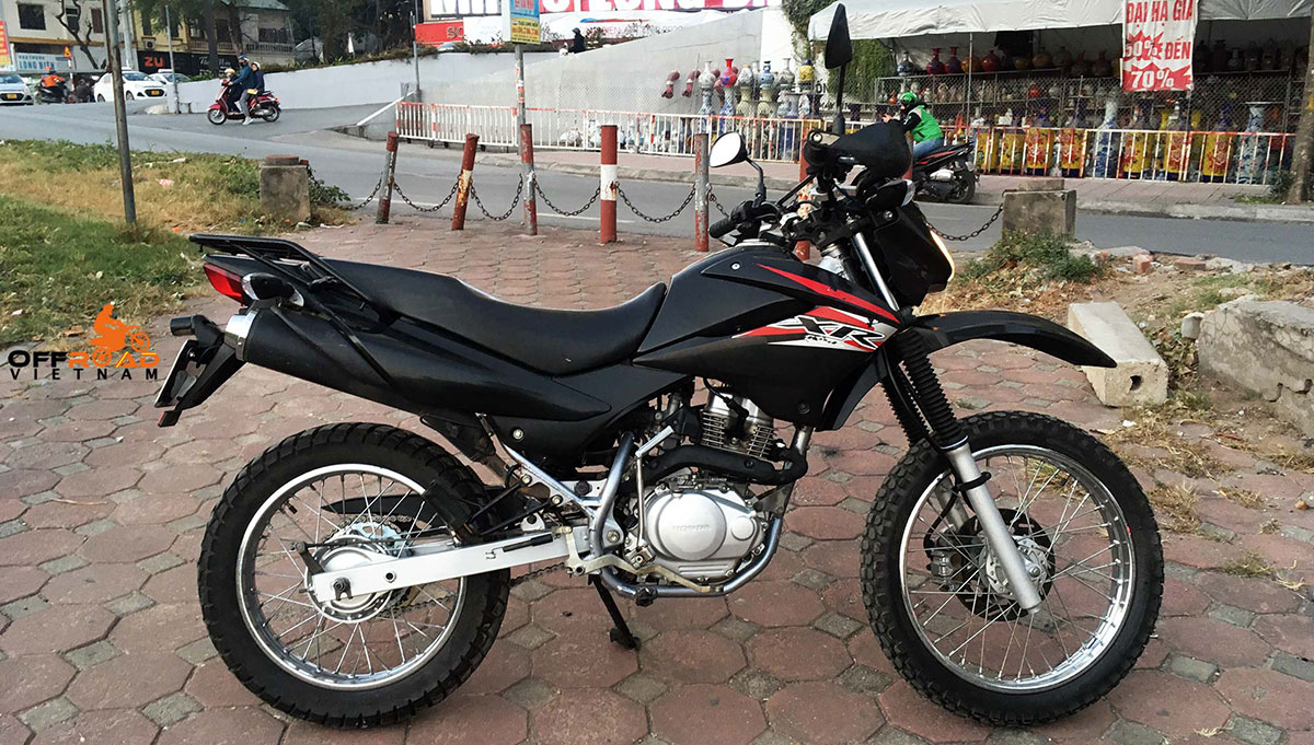 Black Honda XR125L with 150cc engine for sale in Hanoi, late 2013. Ready to ride, in great condition.