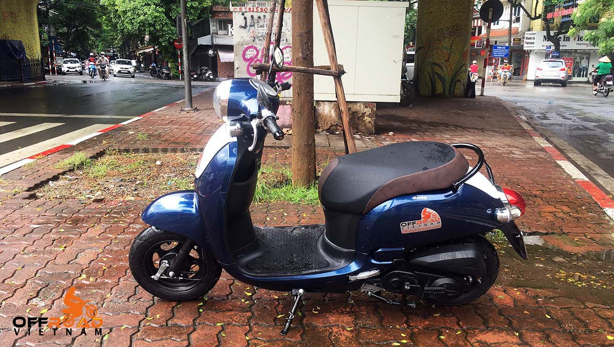 Blue 50cc automatic scooter for sale in Hanoi, year 2019. From left.