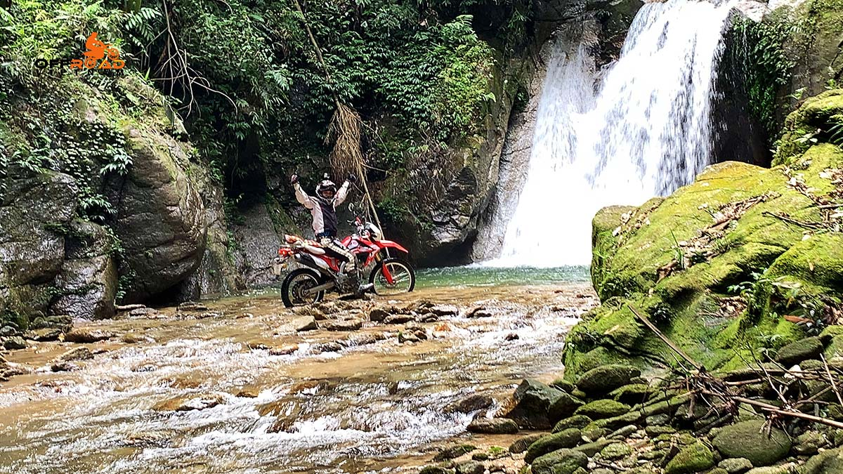 5 Days North East Motorcycling Vietnam. Na Khan & Ba Be, Vietnam 5 Days North East Motorcycling Travel.