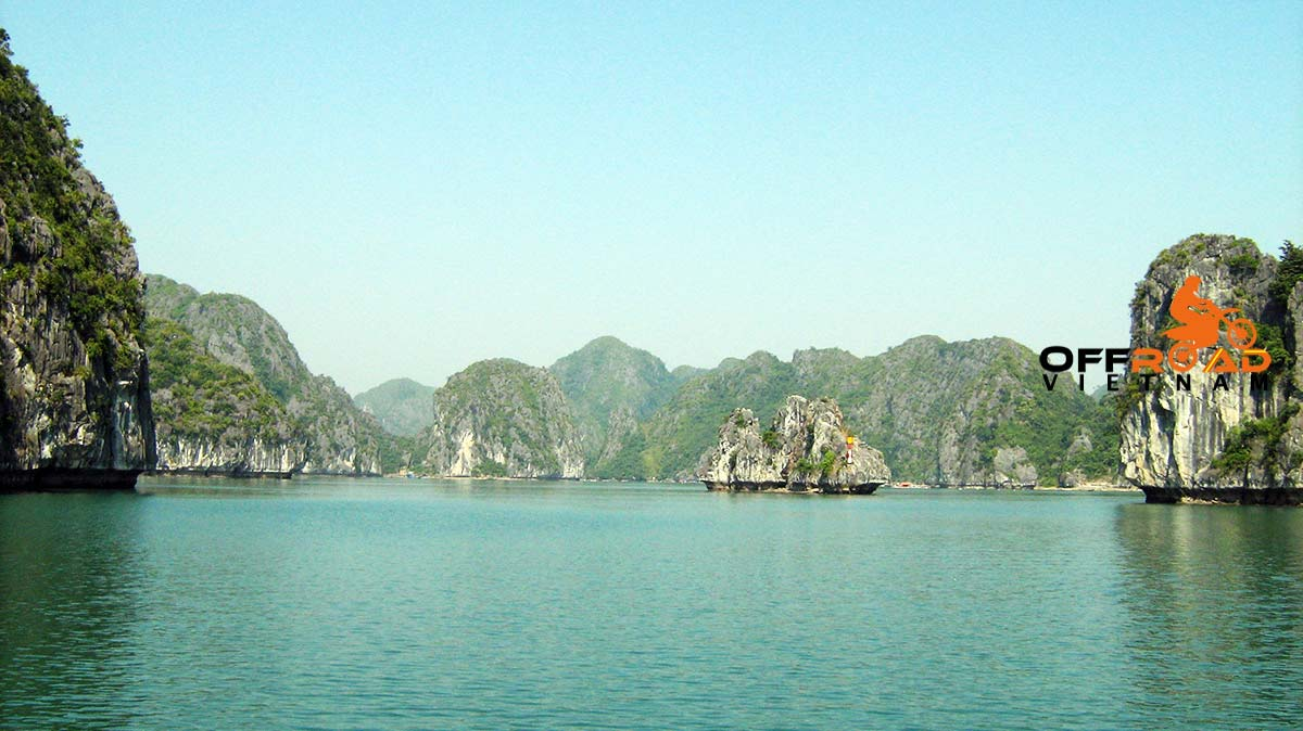 Offroad Vietnam Motorbike Adventures - Amazing classic Halong Bay cruise by bus and Cat Ba island in 3 days.