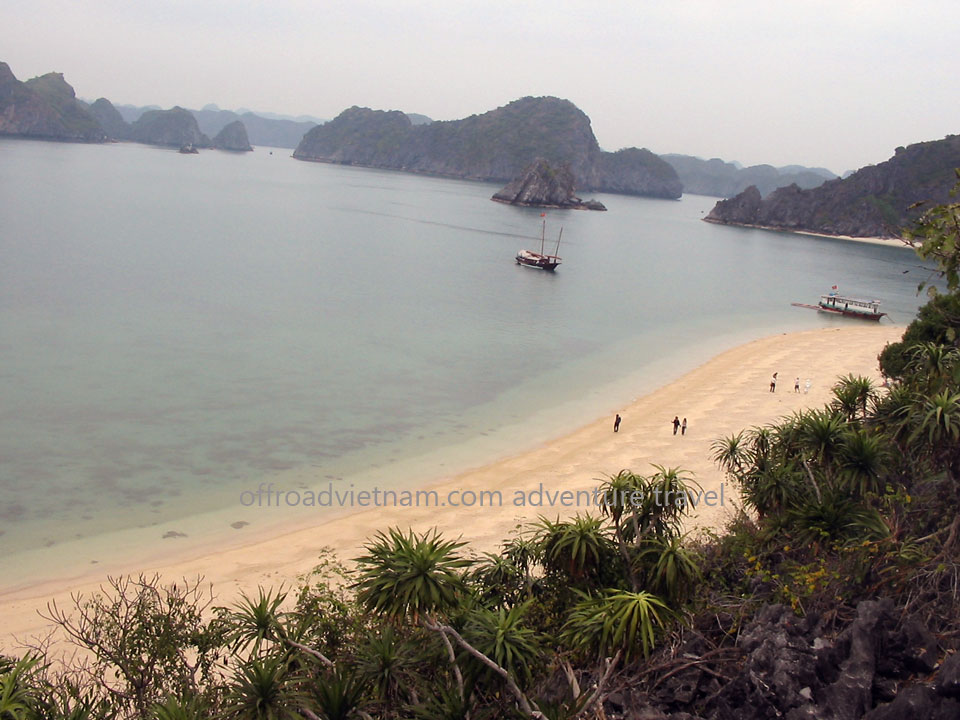 Offroad Vietnam Motorbike Adventures - Excellent Lan Ha & Cat Ba 2 Days Cruise. Classic Trip