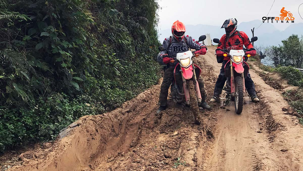 Offroad Vietnam Motorbike Adventures - Central North 9 days Vietnam motorbiking via roof roads.
