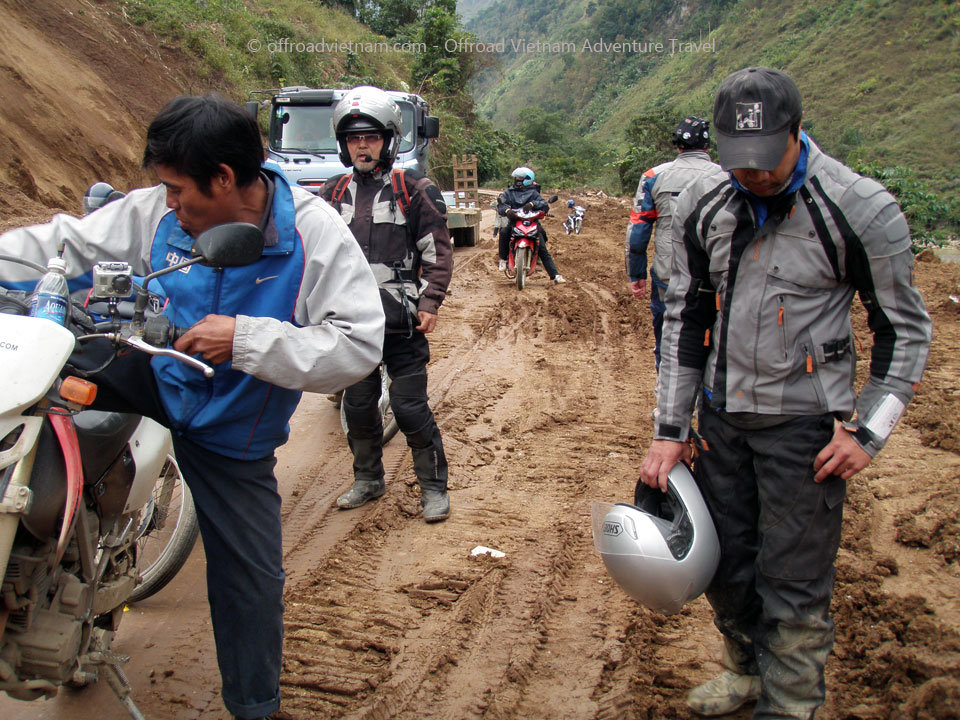 Vietnam motorbike & motorcycle tours. Offroad Vietnam Motorbike Adventures - Fun Northwest & Northeast In 10 Days