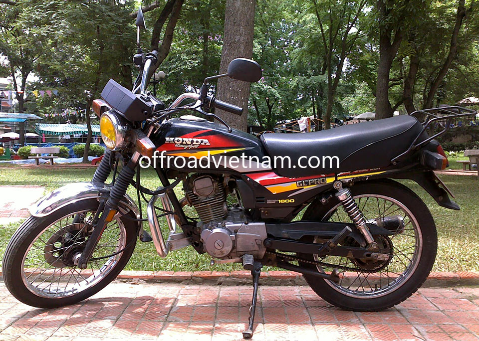 Offroad Vietnam Motorbike Sale - Honda GL Pro 1600 For Sale In Hanoi 156cc Red, Black. Front Disc & Back Drum Brakes