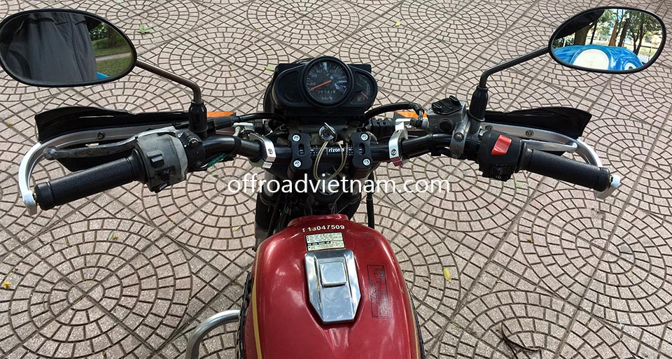 Offroad Vietnam Motorbike Adventures - Honda CGL125 125cc For Rent In Hanoi. Honda CGL125 off road ability with handle bar protection.