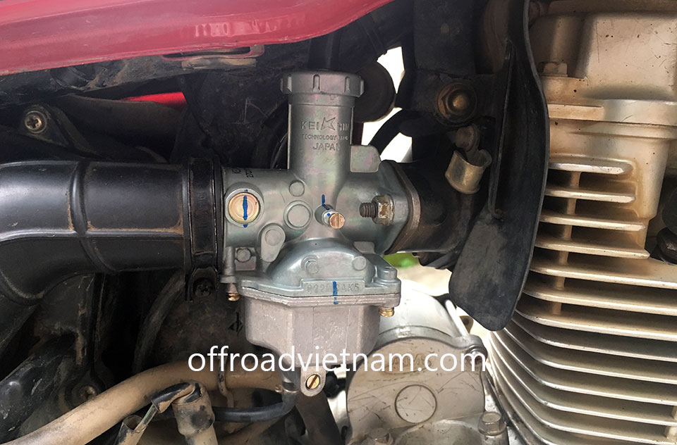 Offroad Vietnam Motorbike Adventures - Honda CGL125 125cc For Rent In Hanoi. Honda CGL125 was installed with a new & better carburettor.