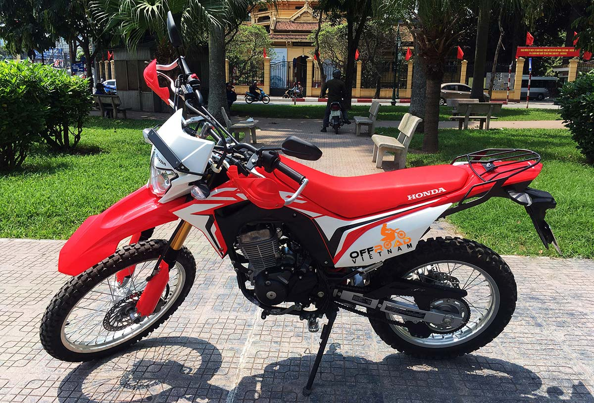 Offroad Vietnam Dirt Bike Rental - 2019 Honda dual enduro Honda CRF150L 150cc Red, front and rear disc brakes