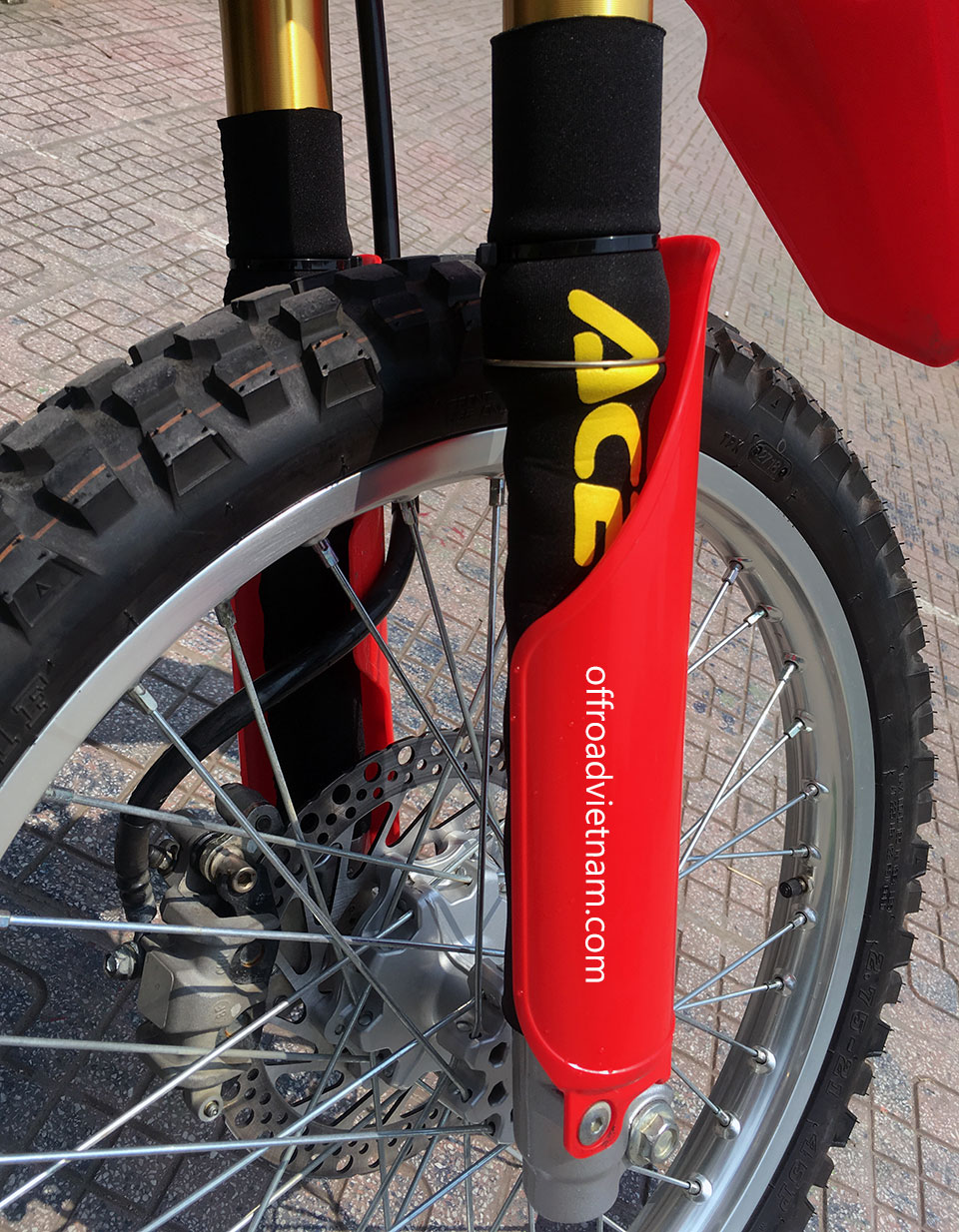 Offroad Vietnam Dirt Bike Rental - Honda CRF150L 150cc In Hanoi. 2019 Honda dirt (trail) bike Honda CRF150L 150cc Red color with front suspension protection