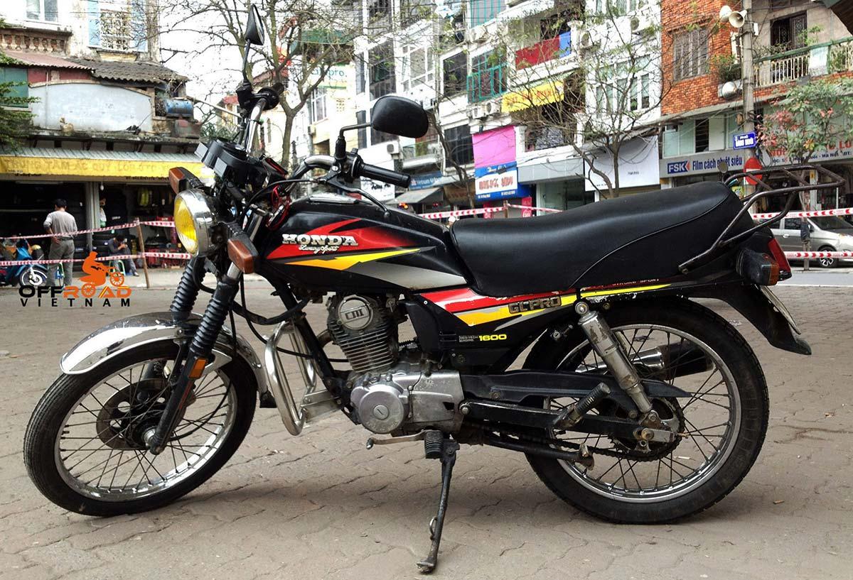 Offroad Vietnam Motorbike Adventures - Honda Road Bike GL Pro 160cc. Honda GL Pro Neo-Tech Luxury Sport 156cc Black, Disc brake