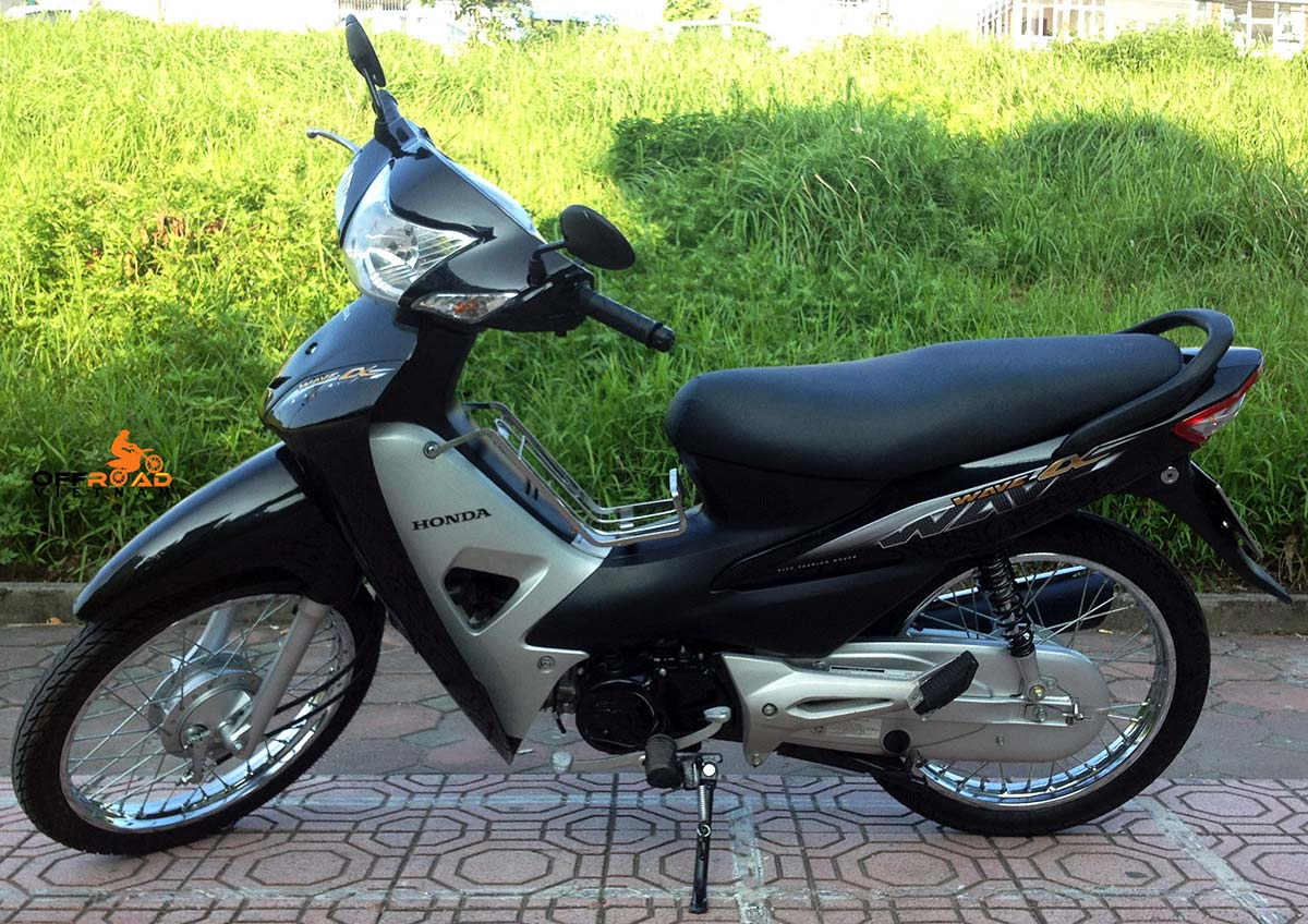 Offroad Vietnam Scooter Rental - The All New Honda Wave Alpha Series 100cc, black color, front and back drum brakes