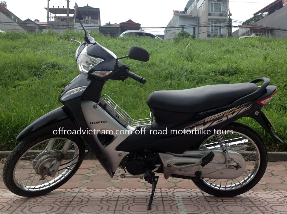 Offroad Vietnam Scooter Rental - The All New Honda Wave Alpha Series 100cc, black color, front and back drum brakes 2012 model