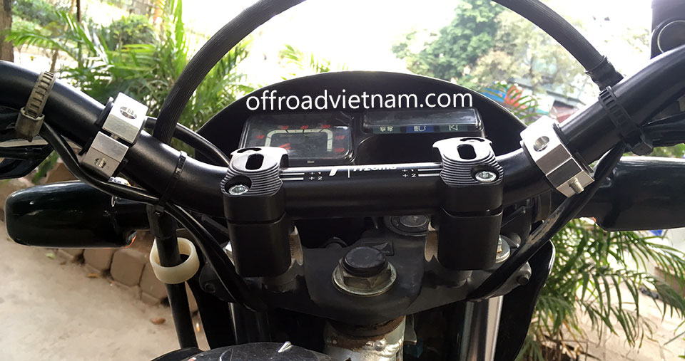 Offroad Vietnam Dirt Bike Rental - Honda XR125 150cc In Hanoi. Raised handle bar.