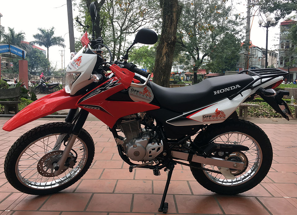 Offroad Vietnam Dirt Bike Rental - Honda XR150 150cc In Hanoi. 2016 Honda dirt (trail) bike Honda XR150 150cc Red & White, front disc brake, back drum brake