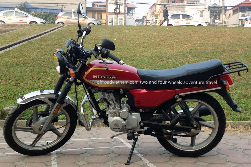 Offroad Vietnam Motorbike Adventures - Honda CGL125 125cc For Rent In Hanoi. Honda CGL125 125cc Red, Disc brake, cast wheels