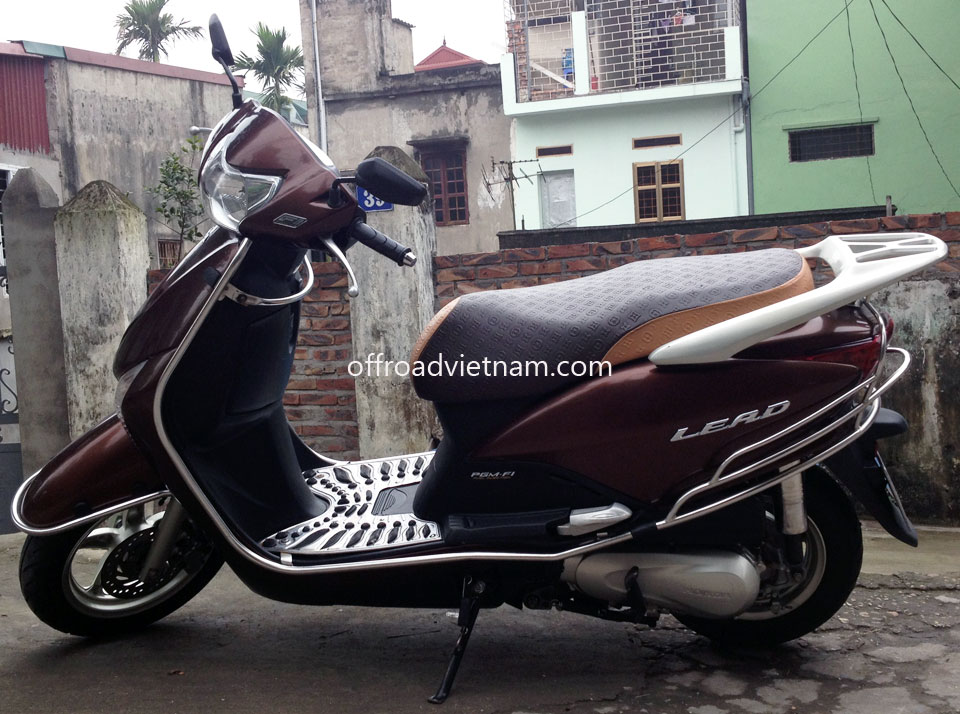Offroad Vietnam Motorbike Sale - Honda Scooter Lead 2011 For Sale In Hanoi