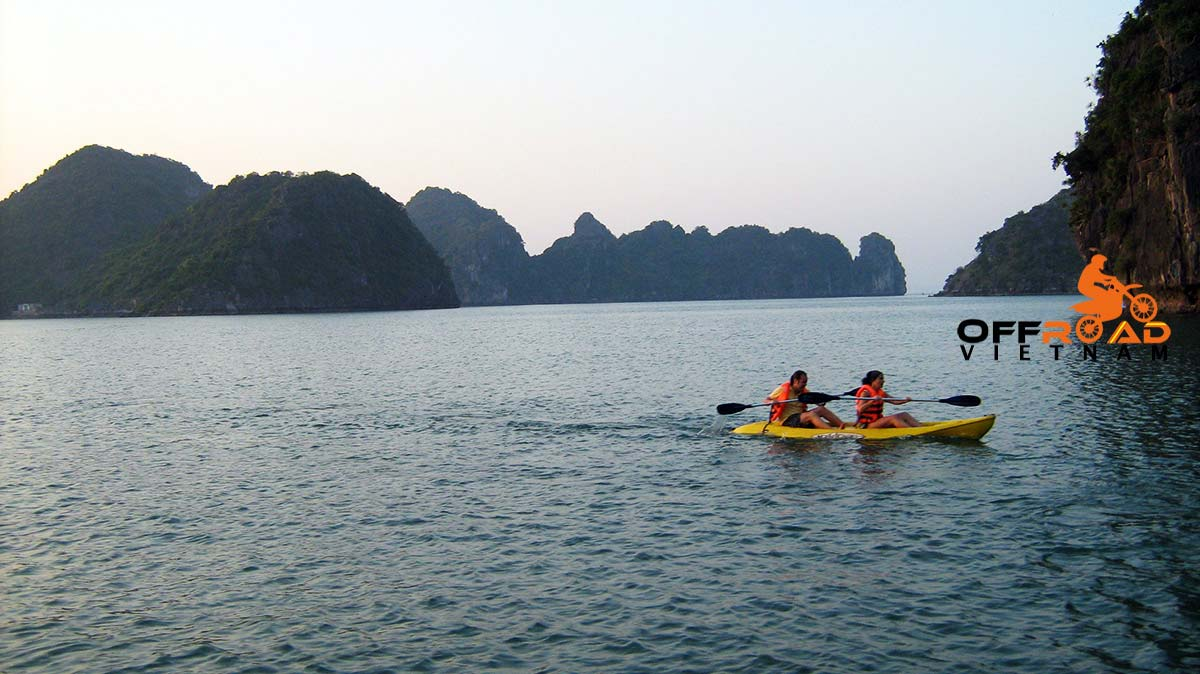 Offroad Vietnam Motorbike Adventures - Cruising and kayaking. Sea kayaking in Halong Bay and Cat Ba in 2 days.