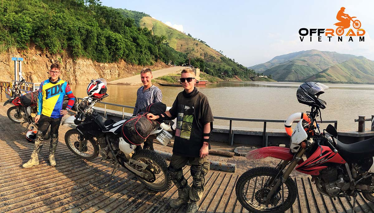 Offroad Vietnam Motorbike Adventures - Mai Chau & The Surroundings In 3 Days. We cross a river by a ferry.
