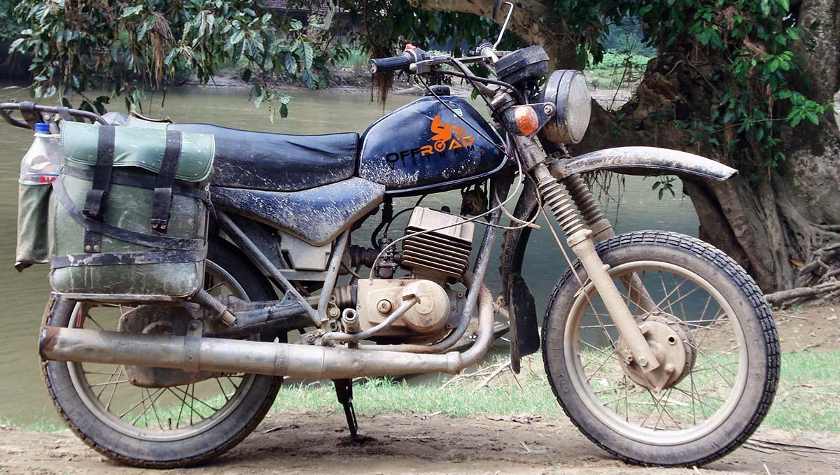 Offroad Vietnam Motorbike Adventures - Minsk 125cc: Minsk motorcycle 125cc 2-stroke mmvz-113