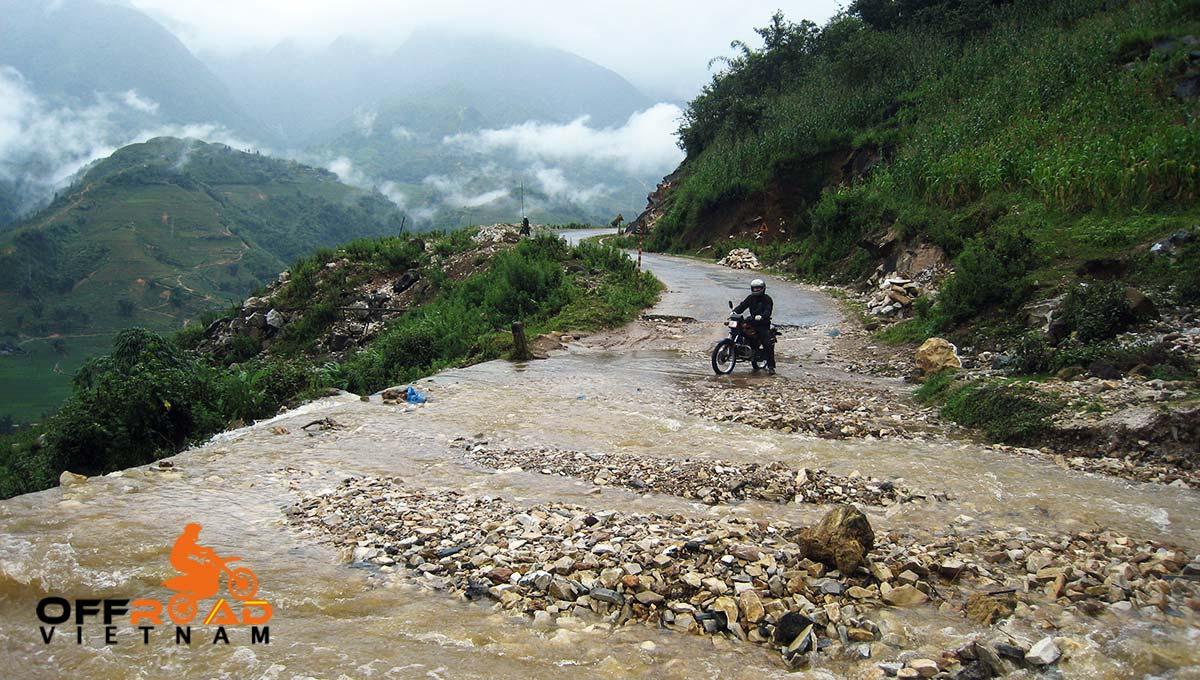 Offroad Vietnam Motorbike Adventures - Mr. James Brown's reviews of Central North Vietnam by motorbike.
