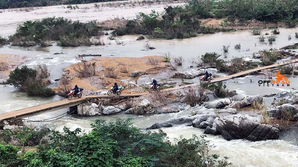 Offroad Vietnam Motorbike Adventures - Ho Chi Minh Trail motorbike tours reviews by customers.