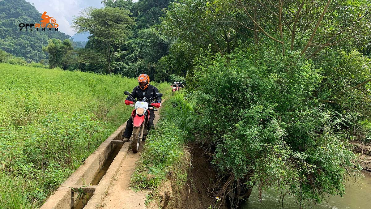 Offroad Vietnam Motorbike Adventures - North-east & Halong Bay cruise 8 days via Ba Be lake.