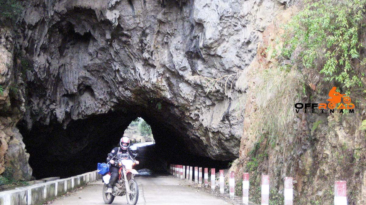 Offroad Vietnam Motorbike Adventures - North East ride in 6 days motorbike tour via Lang Son.