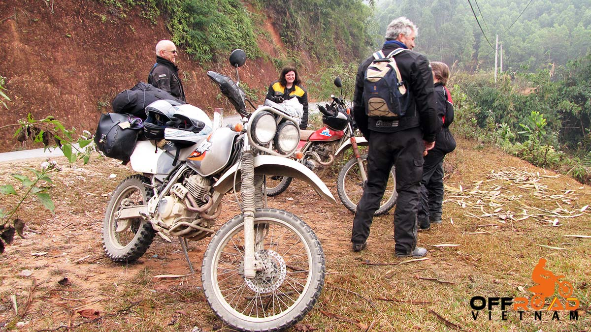 Offroad Vietnam Motorbike Adventures - Vietnam On A 250 By Brian Rix And Shirley Hardy-Rix