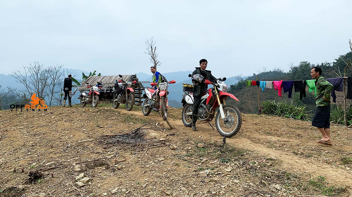Offroad Vietnam Motorbike Adventures - Semi-guided Motorbike Tours Of Vietnam in teh middle of nowhere.