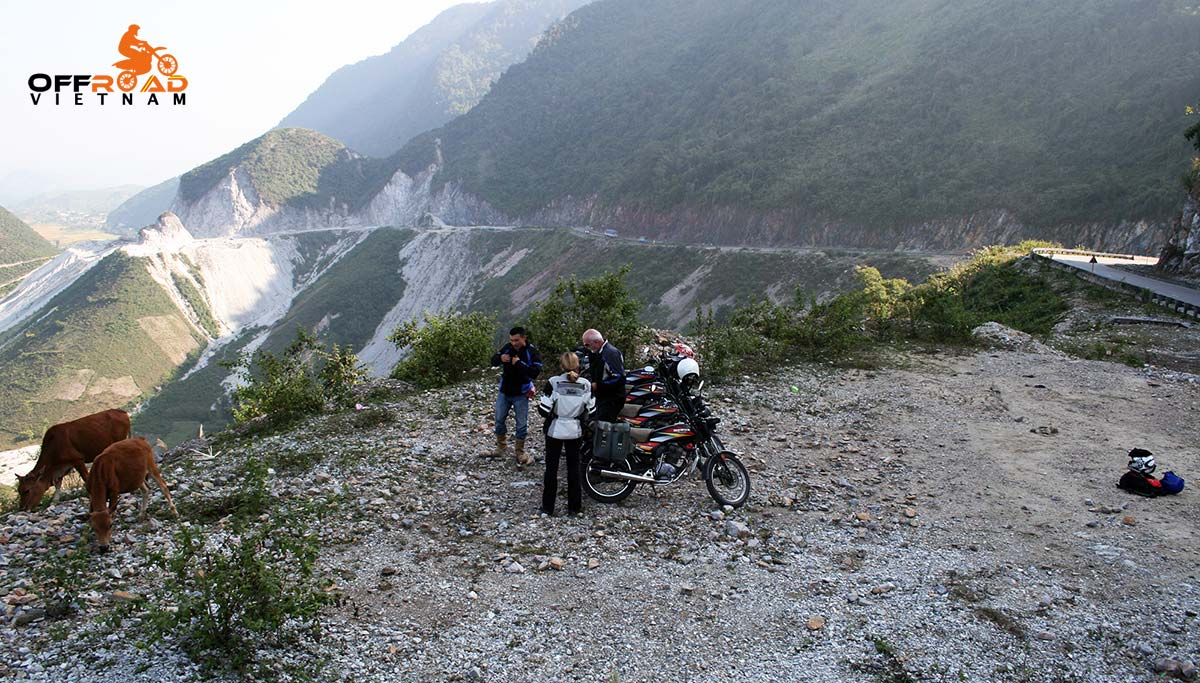 Offroad Vietnam Motorbike Adventures - Official 6 days North-east & Halong motorbike tour via Mai Chau.