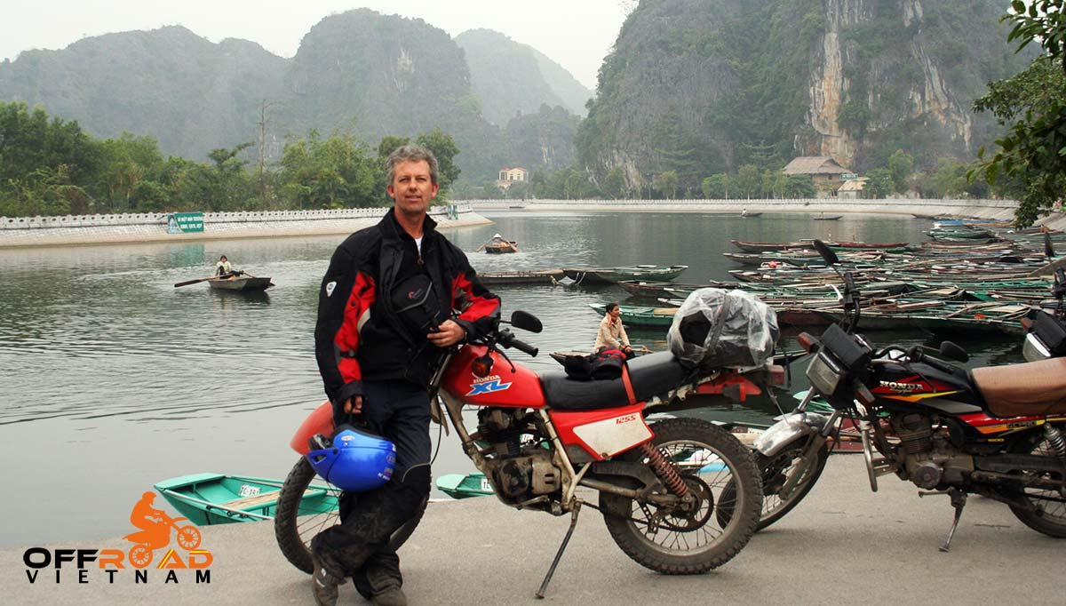 Offroad Vietnam Motorbike Adventures - Red River Delta & Halong 6 days motorbike tour to Ninh Binh.