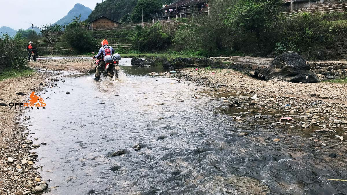 Offroad Vietnam Motorbike Adventures - Northeast Vietnam, ccenic Ha Giang & Halong Bay in 9 days via Cao Bang.