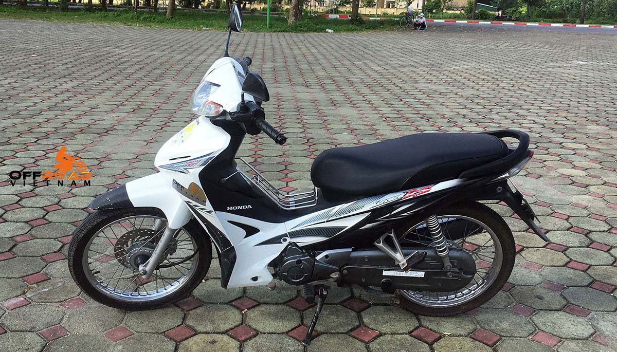 Offroad Vietnam Scooter Rental - Honda Wave Series 110cc In Hanoi: Honda Wave RS110 hire in Hanoi.