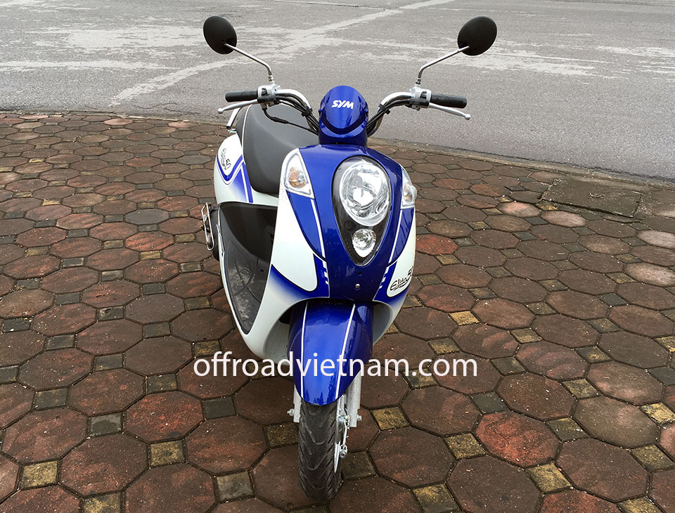 Offroad Vietnam Motorbike Adventures - Rent 50cc Motorbikes & Scooters Rentals In Hanoi. Offroad Vietnam provides moped scooter tours and rentals in Hanoi. This is a 2018 blue SYM Elite automatic scooter 50cc from the front