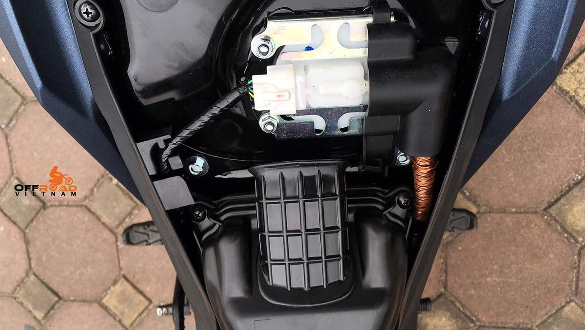 Offroad Vietnam Motorbike Adventures - Honda Winner 150cc fuel supply protection.