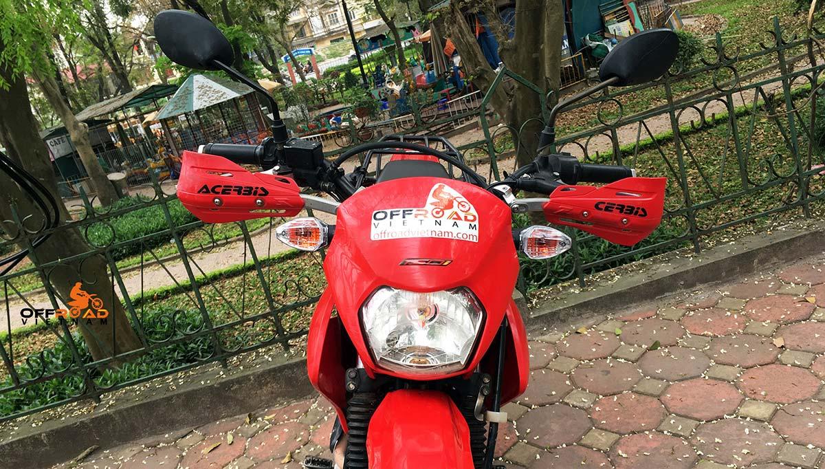 Offroad Vietnam Dirt Bike Rental - Honda XR150 150cc In Hanoi. 2013-2015 Honda dirt (trail) bike Honda XR125L 150cc Red & White, front disc brake, back drum brake and hand guard for handle bar.