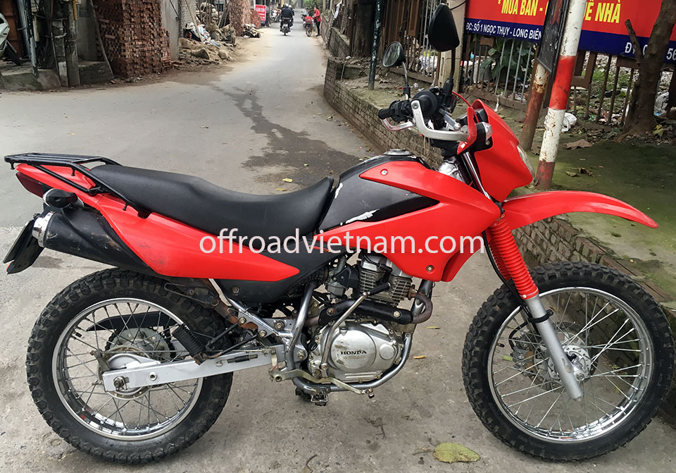 Offroad Vietnam Dirt Bike Rental - Honda XR125 150cc In Hanoi, from right. Raised handle bar.
