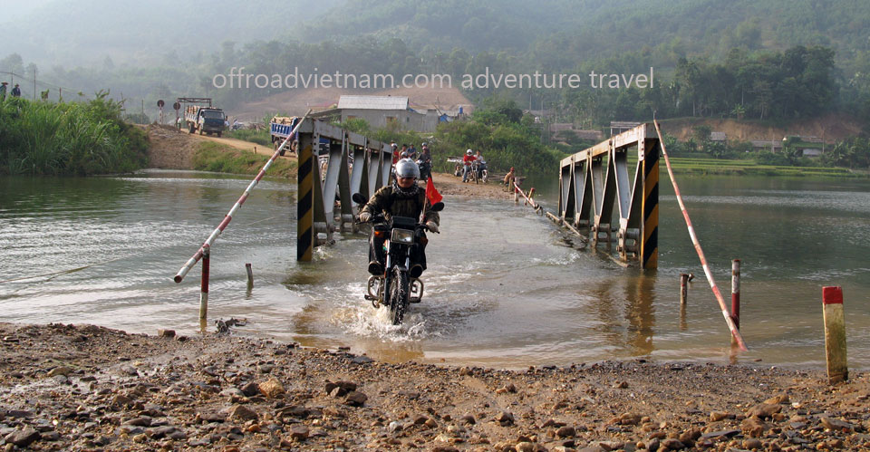 Offroad Vietnam Motorbike Adventures - 3 Days Big North By Train Motorcycling. 3 Days Motorcycle Tours To Big North By Train From Hanoi To Lao Cai