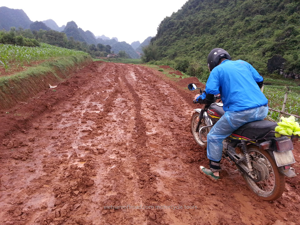 Offroad Vietnam Motorbike Adventures - Challenging Track 5 Days Motorbike Tour. Challenging Xin Man Track In Vietnam, 5 Days Middle Roads Bike Ride
